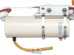 Botella vertical de agua de pvc con estuche watermark®